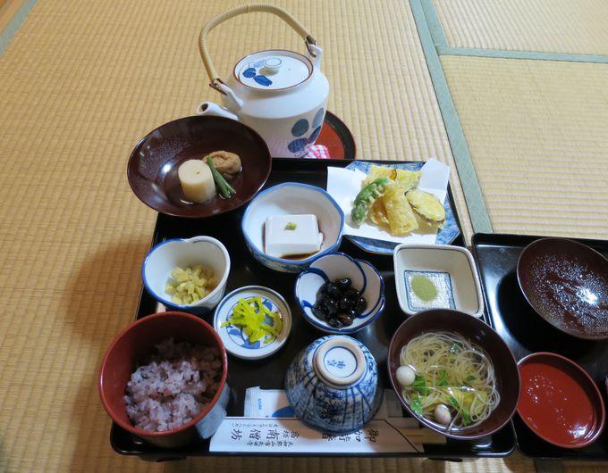 矢田寺の僧坊で精進料理はいかが?