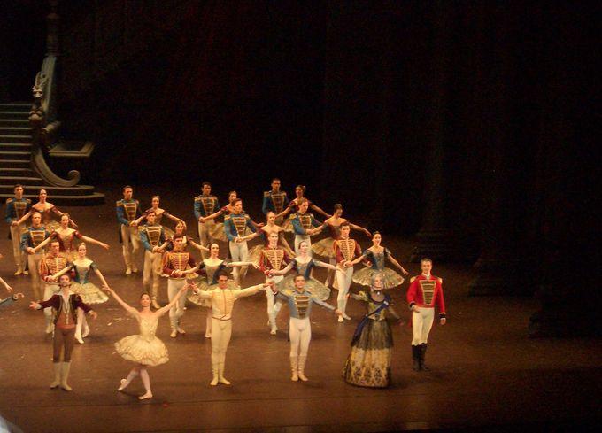 バレエの物語を楽しむには、キーワードと背景に着目