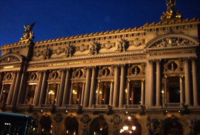 パリ・オペラ座(ガルニエ宮)は主にバレエ公演