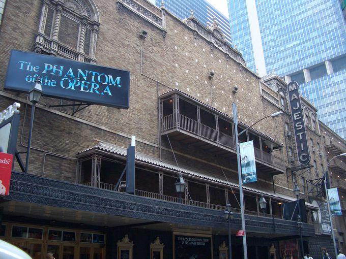 初めての人はこれ!ミュージカルの王道『オペラ座の怪人』