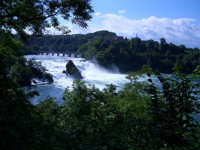ヨーロッパ最大水量『ラインの滝』