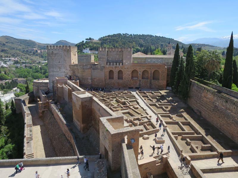 壮絶!アルハンブラ要塞「アルカサバ」が見守ったグラナダの歴史と魅力