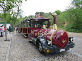 超可愛い!列車型ミニバス「ソコトレン」でスペイン・トレドを一周