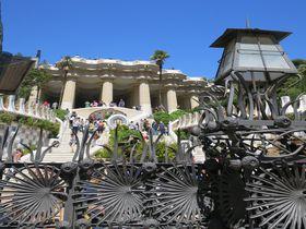 芸術家の夢の足跡!バルセロナ・グエル公園とガウディの家博物館