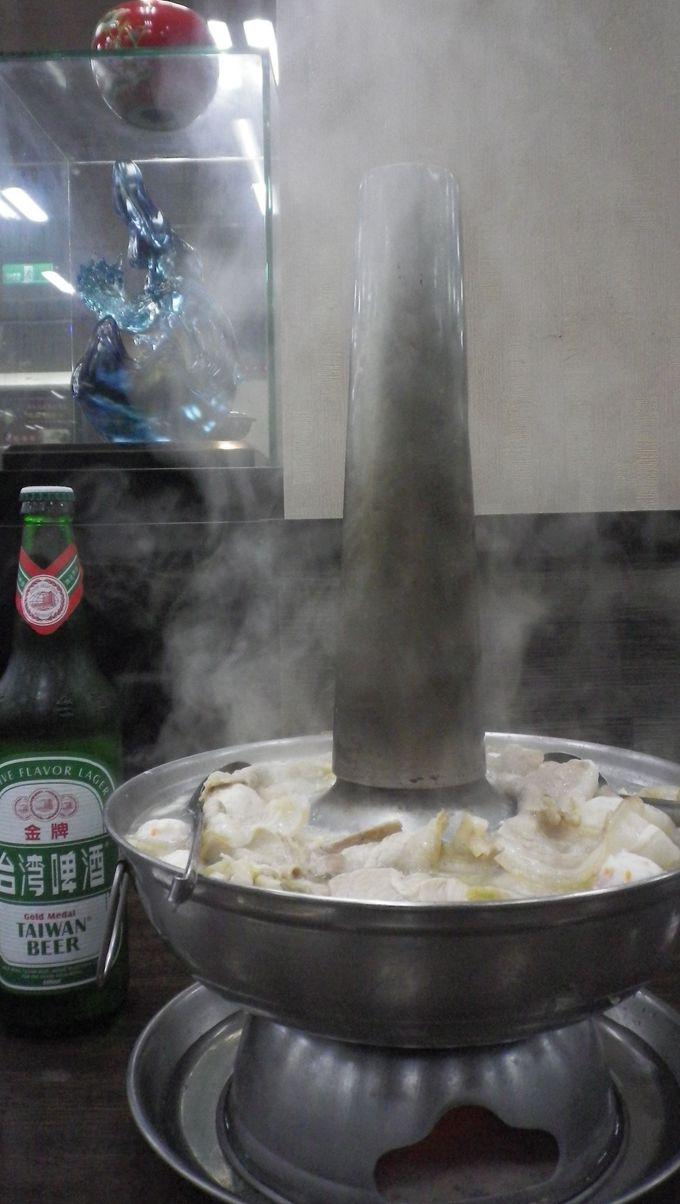 これが噂の「酸白菜火鍋」!