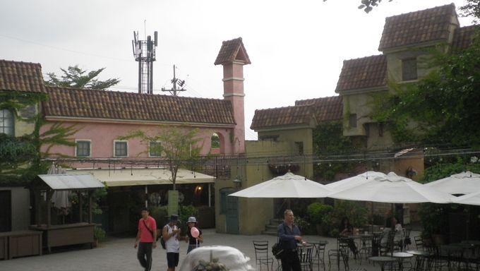 結婚式場の隣は観光スポット