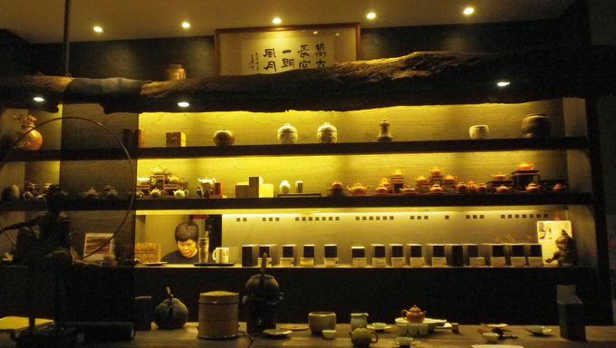 古典的な中国スタイルの店内