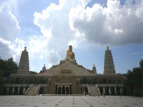 圧倒される高さ48mの大仏!高雄の新名所「仏陀記念館」