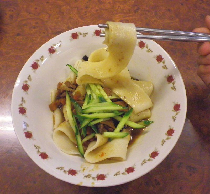 麺料理の宝庫!台湾・高雄で話題の「皮帯麺」を食べに行こう