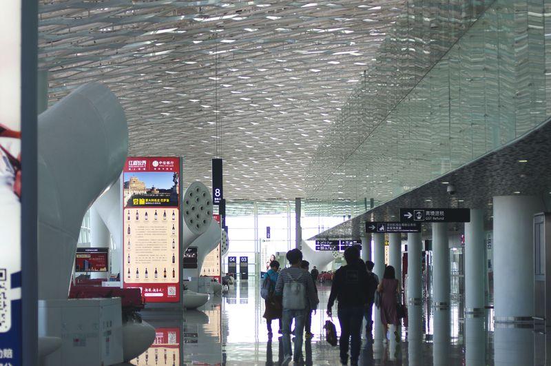 フライト遅延を望むほど美しい空港!中国「深セン宝安国際機場」新第3ターミナル