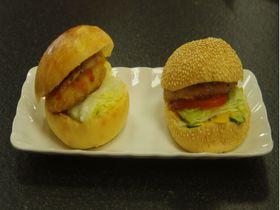 肉なのに肉じゃない!?高雄「金龍彩」は台湾の絶品素食バーガーや中華菓子が揃う老舗