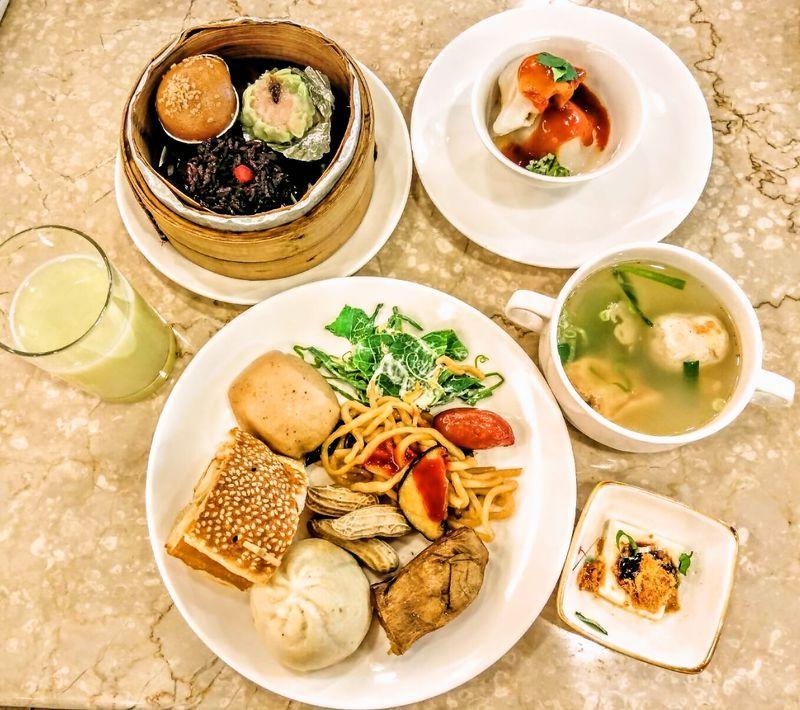 朝から台湾名産が楽しめるビュッフェも!台中「長榮桂冠酒店」