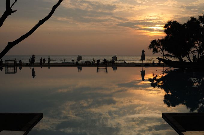 インド洋に沈む夕日を眺める極上のひととき