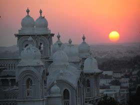 インドのエキゾチックな宮殿ホテル「タージファラクヌマパレス」
