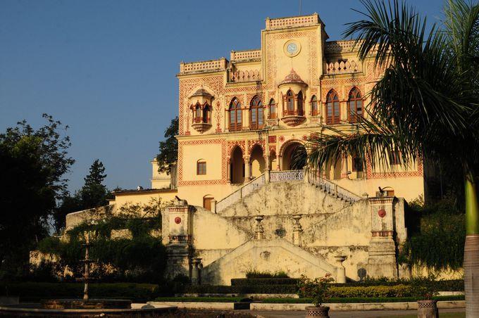 宮殿ホテルを改装してオープンした本格アーユルヴェーダリゾート