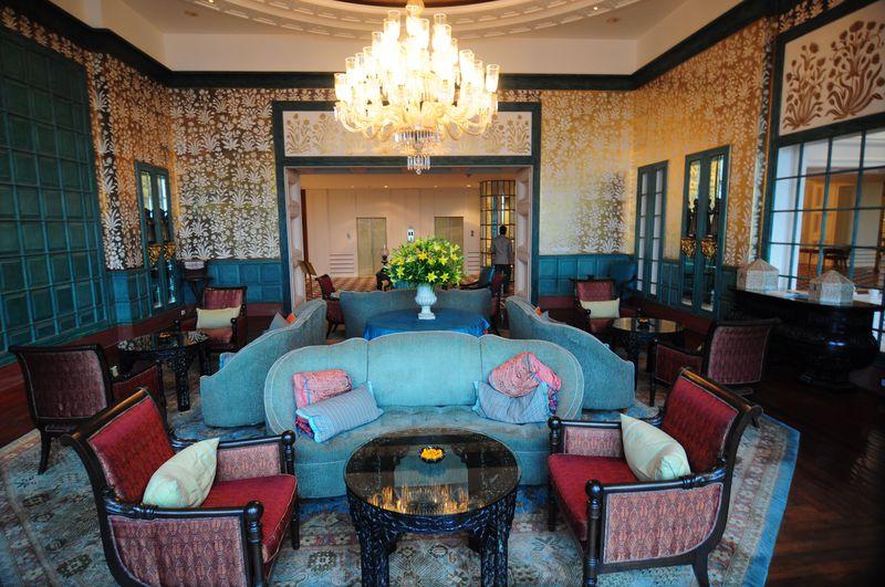 「オベロイアマールヴィラス」全部屋からタージマハルが見えるラグジュアリーホテル