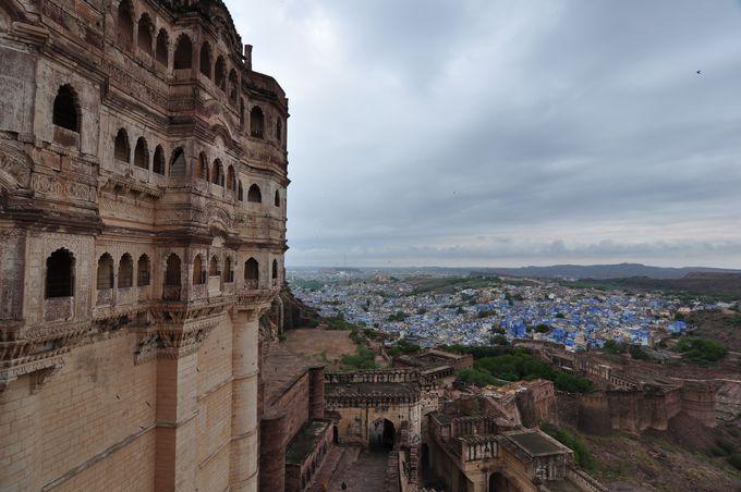 2013年に世界遺産に登録されたメへラーンガル城塞