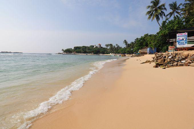 ゴールからちょっと離れたところに美しい隠れ家ビーチ「ウナワトゥナビーチ」がある!