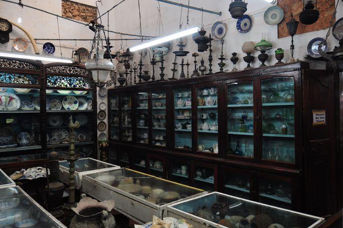 おしゃれな雑貨と骨董品巡り。ゴールに骨董品がたくさんある意外な理由。