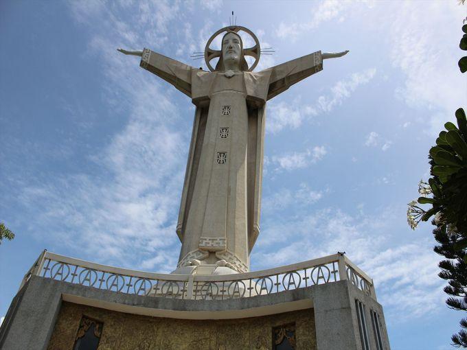 ブンタウを象徴する観光名所!キリスト像に上ってシティ&オーシャンビューを堪能