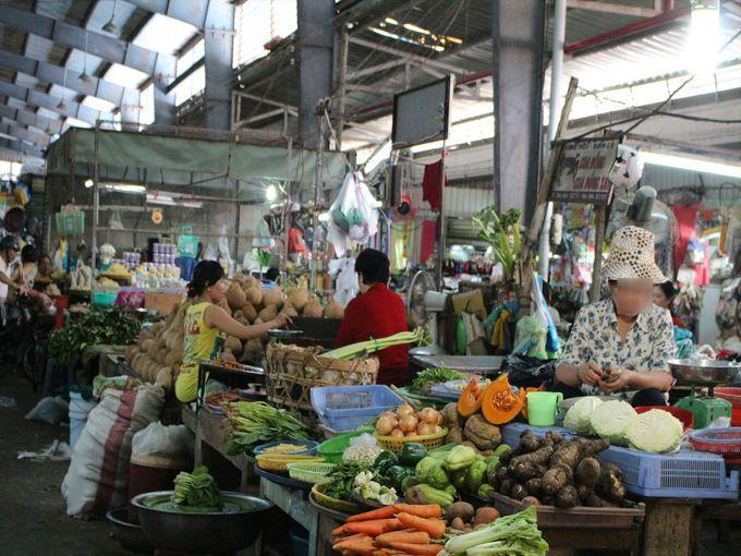 市街地観光はブンタウ最大の市場「ブンタウ市場」へ!