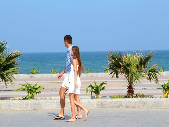 5kmに渡って続く砂浜。おすすめスポットは劇場前