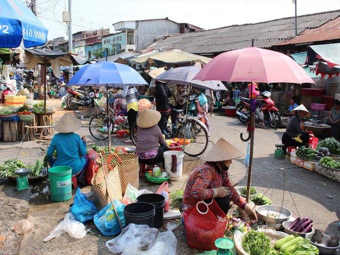 ミトーの観光名所、「ミトー市場」は歩いて30秒!