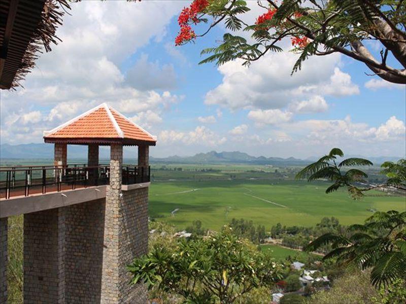 ベトナム・チャウドック名物サム山の麓で過ごす「ヌイ・サン・ロッジ」