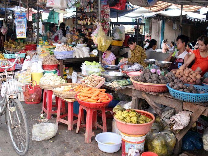 活気溢れる「チャウドック市場」は中心市街地