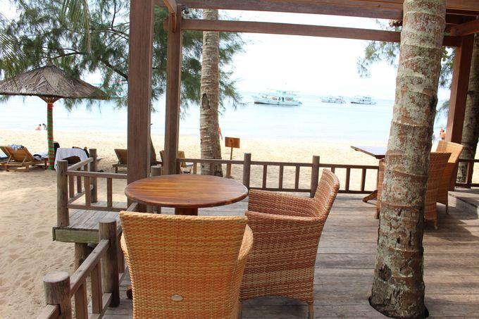 全席オープン席!海を眺めながらの食事は格別