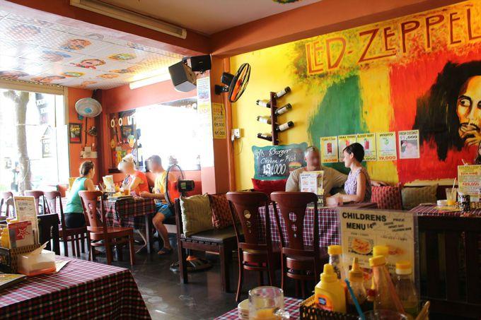 客層はほぼロシア人?ロシア人経営の人気カフェレストラン