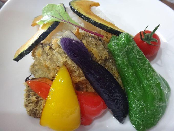 地元産の食材を使った「南富良野エゾカツカレー」