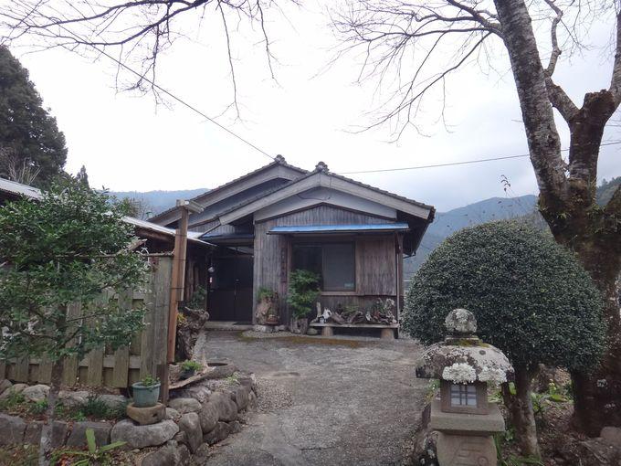 隠れ家的な民宿「山遊亭」