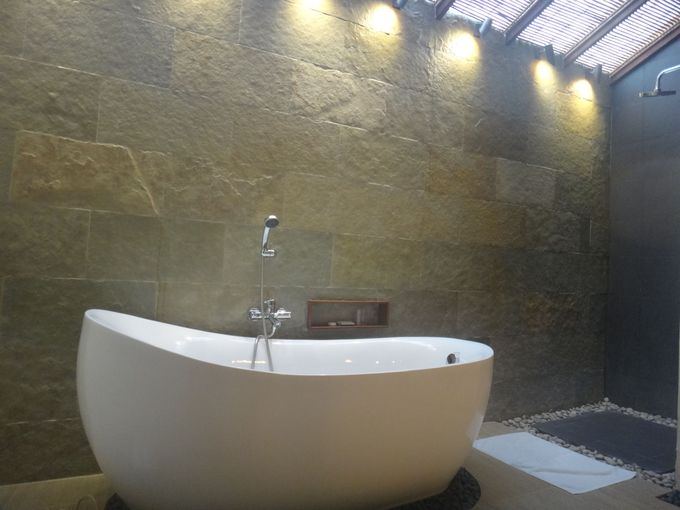 広いバスルームにまるで温泉のようなお湯!
