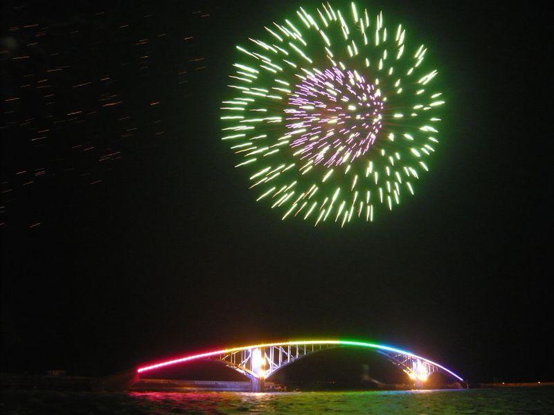 毎週開催!台湾・澎湖島 夏の一大イベント「澎湖海上花火大会」