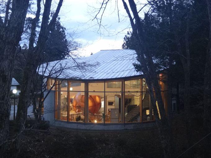 森の中の久慈琥珀博物館