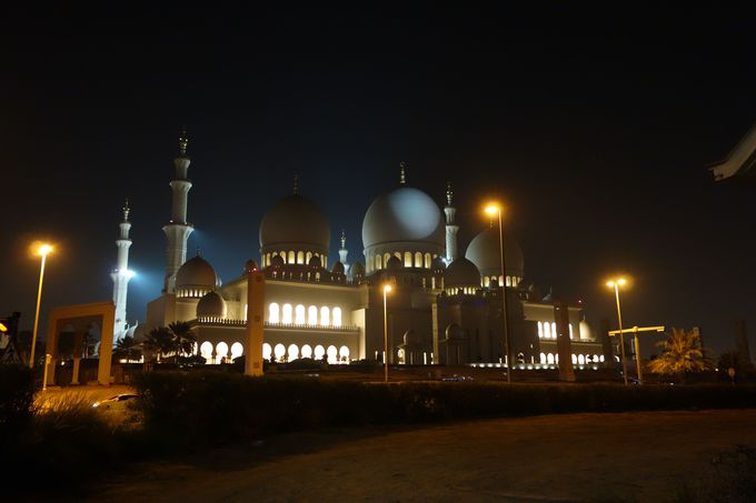 夜のモスク