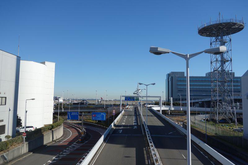 日本が誇る2大旅客機ANAとJAL、飛行機整備工場に潜入!