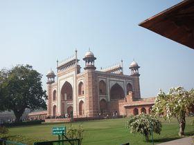 世界最高のモスク、タージ・マハルに心奪われる!5つの絶景スポット