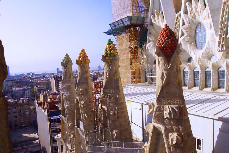ガウディと白い村は外せない スペインの「インスタ映えスポット」15選
