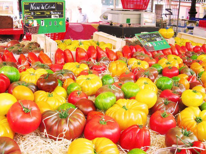 フランス屈指の美しい市場「サレイヤ広場」