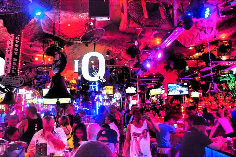 世界中の夜遊び好きが集結!プーケット島「バングラ通り」