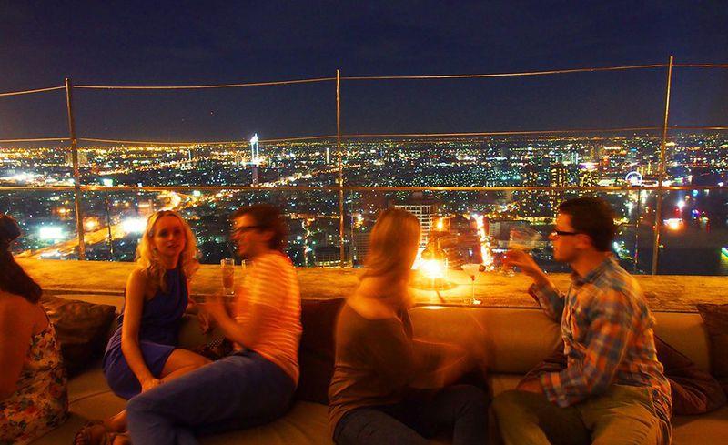 バンコクの夜景ならココ!地上247m天空のバー「シロッコ」