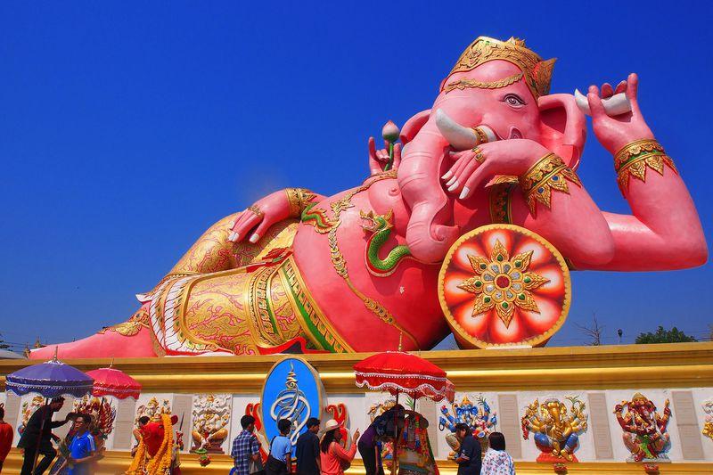 速効で夢が叶うピンクの象!?タイ「ワットサマーンラッタナーラーム」