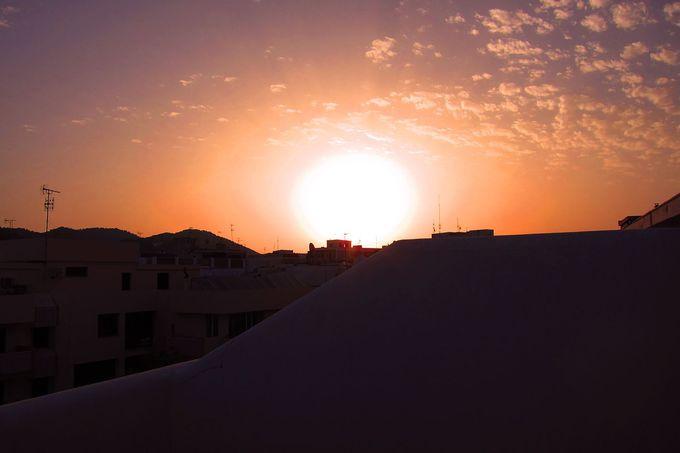 49ca937c529f 眠れない宿!「イビサ ロックス ホテル」がROCK過ぎる | スペイン | LINE ...