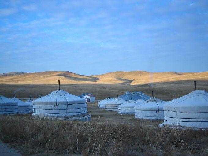 草原の旅の宿『ツーリスト・キャンプ』とは