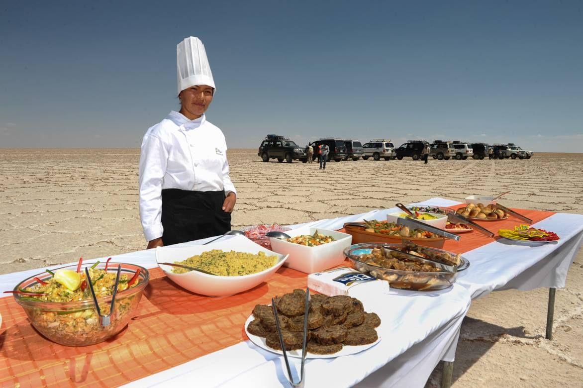 リャマ肉に、ウユニ塩湖の塩…料理にも定評があります
