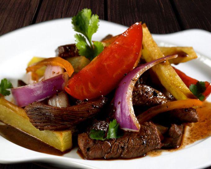 24時間ペルー料理が楽しめるレストラン