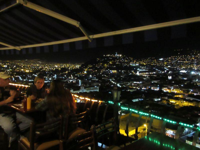世界遺産キト旧市街の絶景カフェ「モサイコ」でエクアドル料理を楽しむ