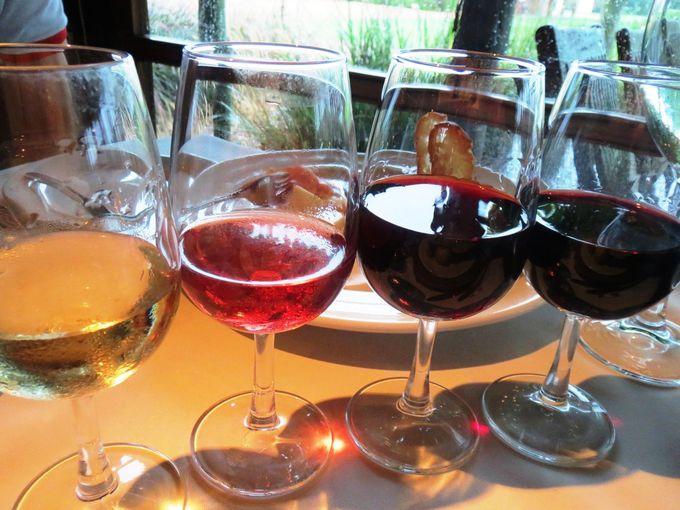ワインテイスティングは併設レストランで